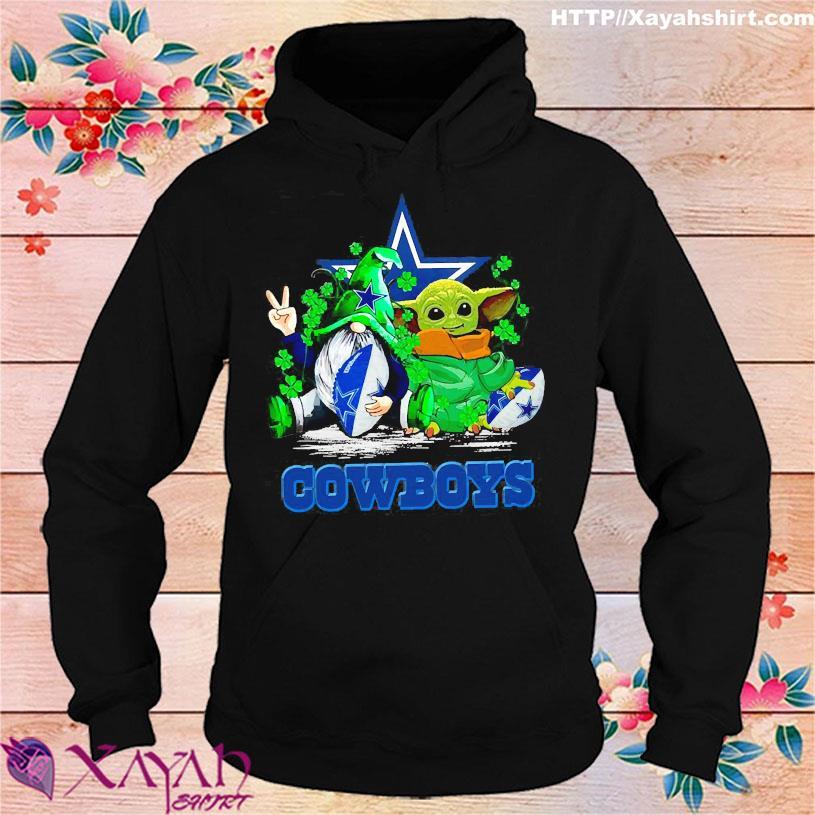Gnome and Baby Yoda hug Dallas Cowboys s hoodie